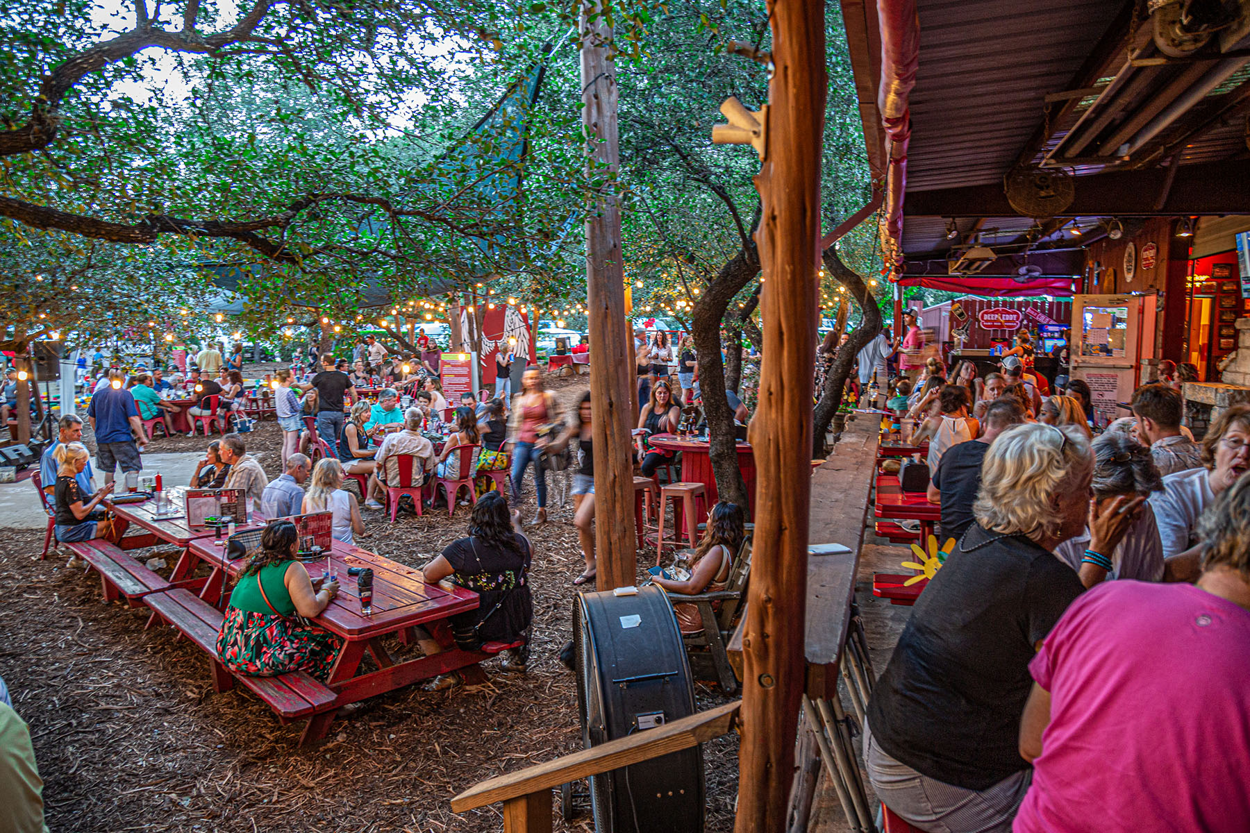 Out on the patio at Angel's Icehouse in Spicewood, TX. Photo: Will Taylor - LostinAustin.org
