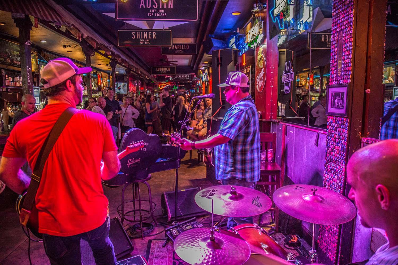 Dizzy Rooster - 6th Street - Austin TX